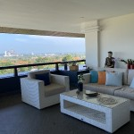 Huge apartment with stunning sea and mountain view