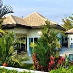 Lovely house with a bungalow